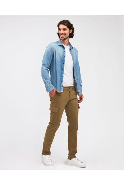 SLIMMY TAP. CARGO CHINO LUXE PERFORMANCE SATEEN LIGHT ARMY