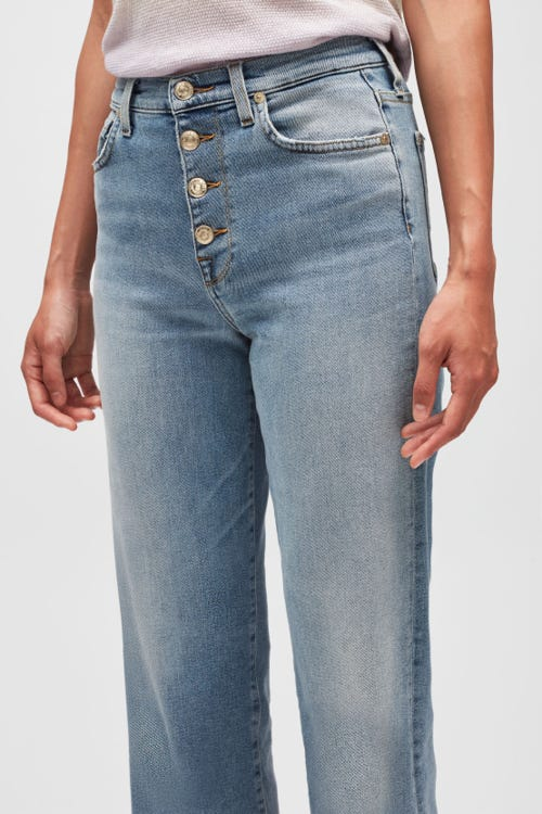 CROPPED ALEXA LUXE VINTAGE DREAM TIME WITH EXPOSED BUTTONS