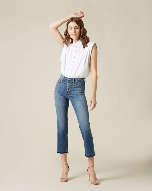 THE STRAIGHT CROP SOHO LIGHT WITH EXPOSED BUTTONS AND RAW CUT